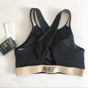 Women's Nike Classic Cross Support Sports Bra